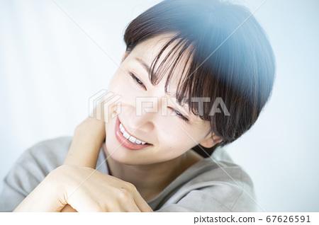 30多歲的美女形象女性 67626591