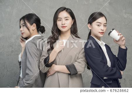 女商界女強人 67628662