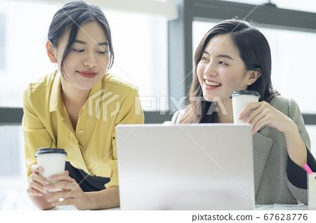 女商界女強人 67628776