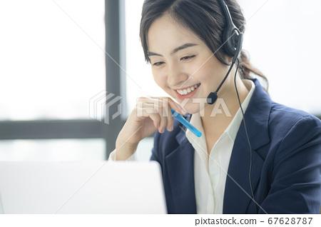 女商人CS工作人員 67628787