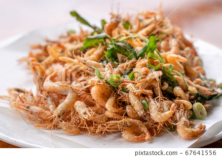 溪蝦 蝦 小蝦子 路邊攤 小吃 炸蝦 Fried river shrimp エビ 油揚げ 67641556