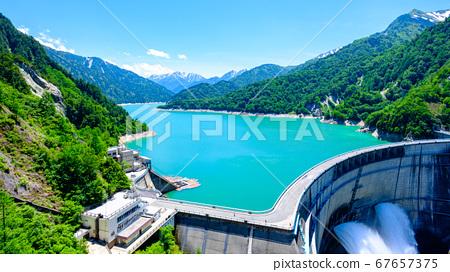 초여름의 구로베 댐 67657375