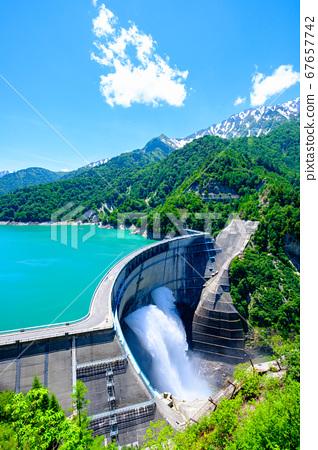 초여름의 구로베 댐 67657742