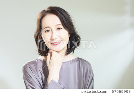 Beauty image 67669908