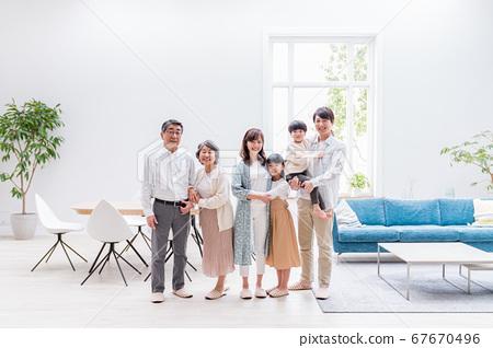三代家庭,生活,家庭 67670496