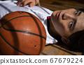 男子打籃球 67679224