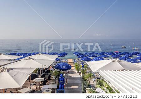 漂亮的沙灘 67715213