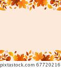 秋天的葉子和橡子背景素材 67720216