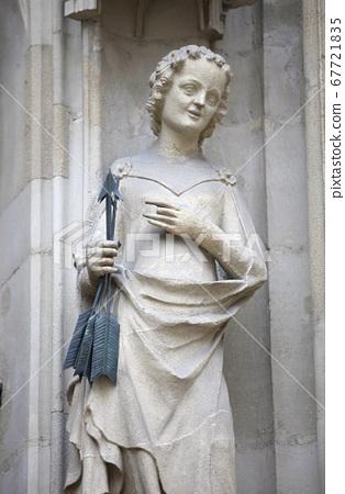 Saint Ursula 67721835