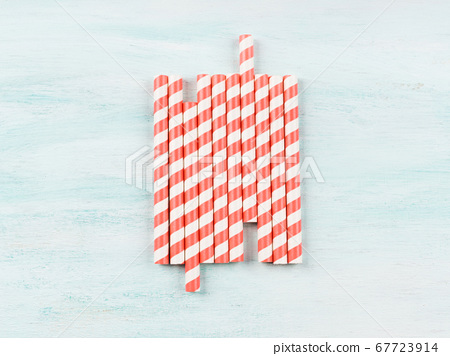 Striped pink coral straws for cocktails 67723914