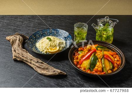 摩洛哥陶土鍋與塔吉納鍋和北非食品 67727988