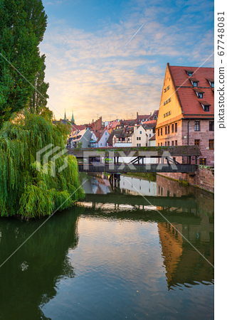 Henkersteg in Nuremberg, Germany on the Pegnitz 67748081