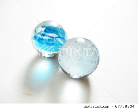 Two marbles 67759904