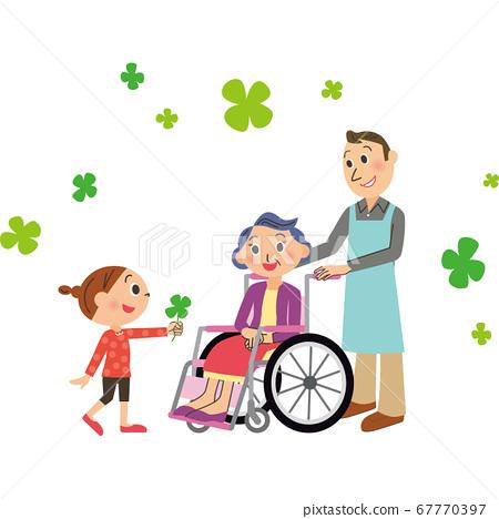 휠체어 할머니와 손자 67770397
