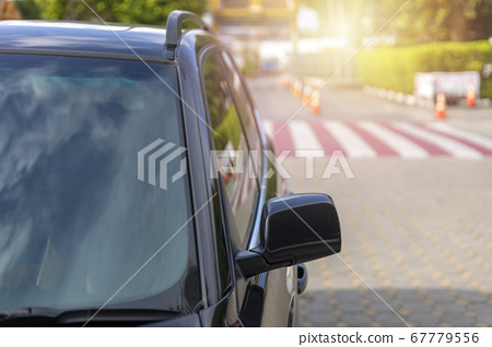 Front of Black color car with Windshield and back 67779556