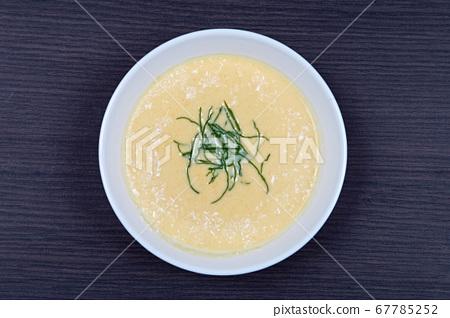 Soup Top View 67785252