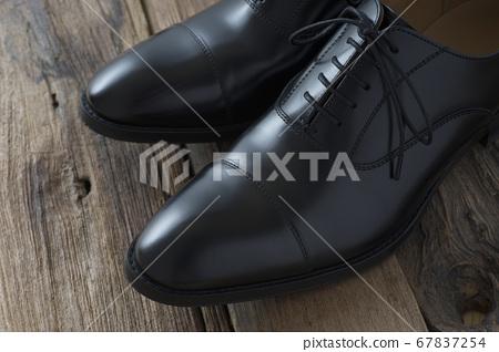 正式鞋 67837254