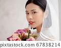 웨딩 드레스를 입은 여성의 초상화 67838214