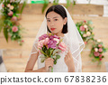 웨딩 드레스를 입은 여성의 초상화 67838236