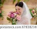 웨딩 드레스를 입은 여성의 초상화 67838238
