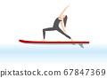 女人做瑜伽站立式槳船上 67847369