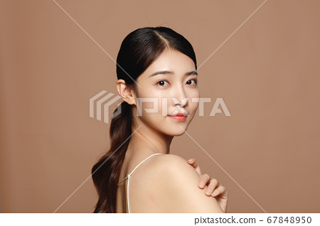 Beauty Portrait Of Young Asian Woman 67848950