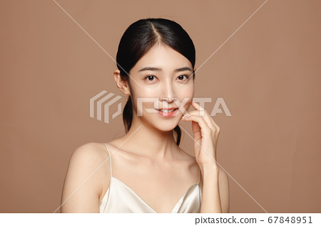 Beauty Portrait Of Young Asian Woman 67848951