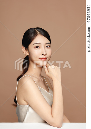 Beauty Portrait Of Young Asian Woman 67848954
