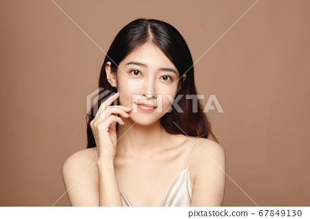 Beauty Portrait Of Young Asian Woman 67849130