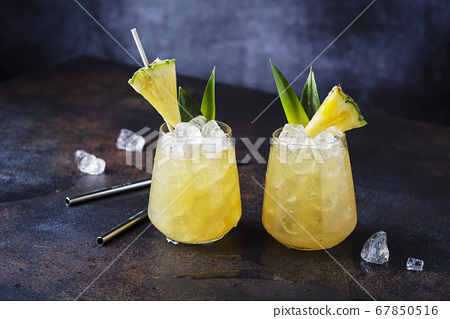 Summer cocktail and bar concept 67850516