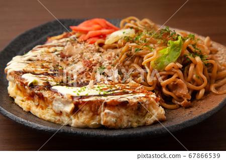 Yakisoba Okonomiyaki 67866539