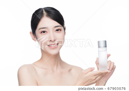 Beauty Portrait Of Young Asian Woman 67903076