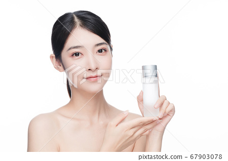 Beauty Portrait Of Young Asian Woman 67903078