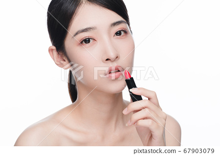 Beauty Portrait Of Young Asian Woman 67903079