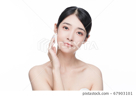 Beauty Portrait Of Young Asian Woman 67903101