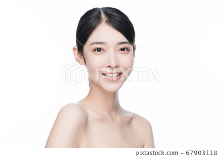 Beauty Portrait Of Young Asian Woman 67903118