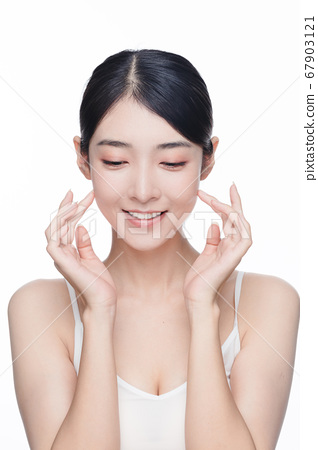 Beauty Portrait Of Young Asian Woman 67903121