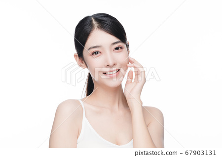 Beauty Portrait Of Young Asian Woman 67903131
