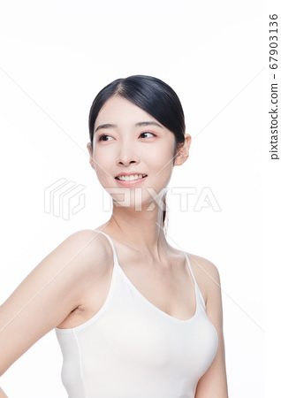Beauty Portrait Of Young Asian Woman 67903136
