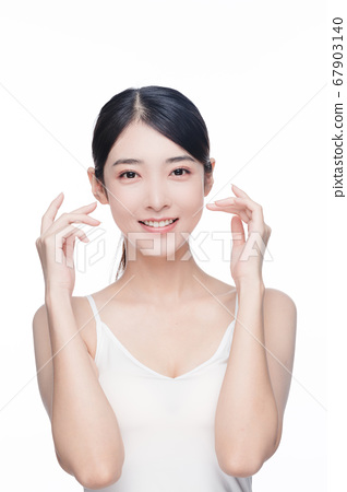 Beauty Portrait Of Young Asian Woman 67903140