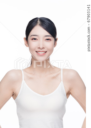 Beauty Portrait Of Young Asian Woman 67903141