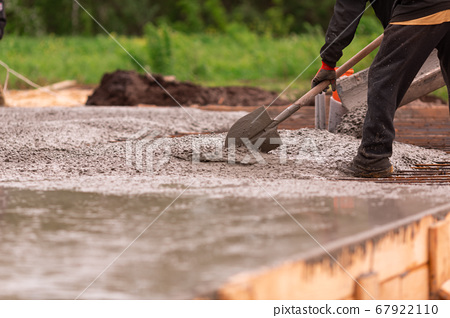 Lay of the cement or concrete into the foundation 67922110
