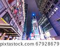 《紐約》曼哈頓中城的夜景 67928679
