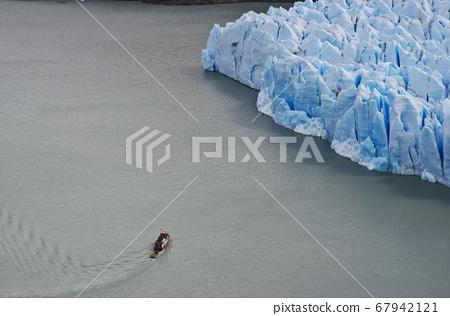 Grey Glacier Front 67942121