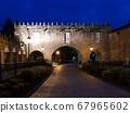 castle gate 67965602