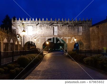 城堡大門 67965602