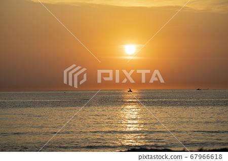 東海美麗的早晨 67966618