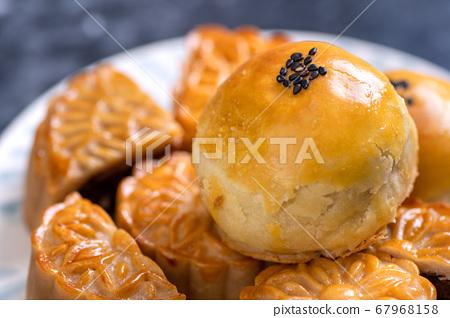 中秋節 蛋黃酥 月餅 特寫 Moon Festival yolk pastry cake げっぺい 67968158
