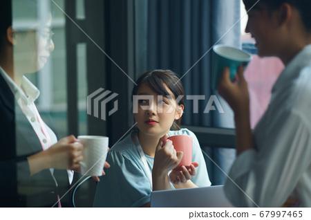 Teamwork, conversation 67997465