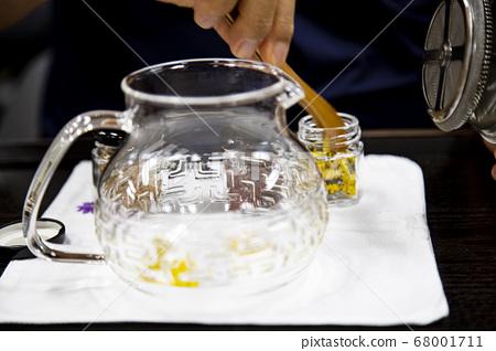 玻璃茶壺配菊花茶 68001711